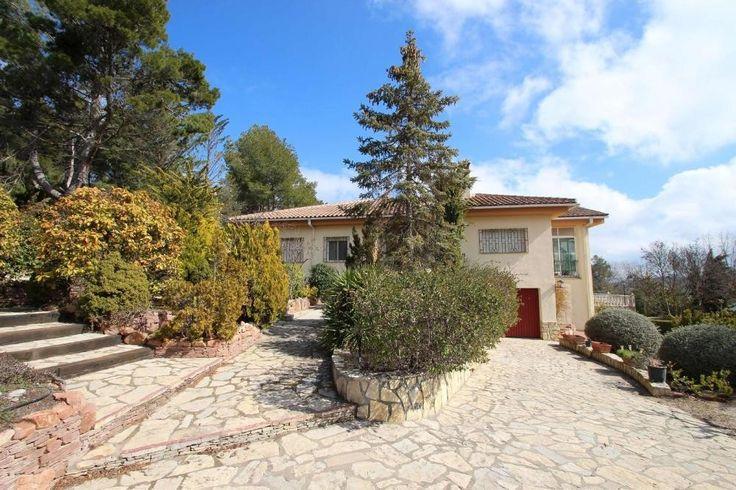 Landhaus mit Pool  Details zum #Immobilienangebot unter https://www.immobilienanzeigen24.com/spanien/03801-alcoy/Villa-kaufen/27222:-2138378977:0:mr2.html  #Immobilien #Immobilienportal #Alcoy #Haus #Villa #Spanien