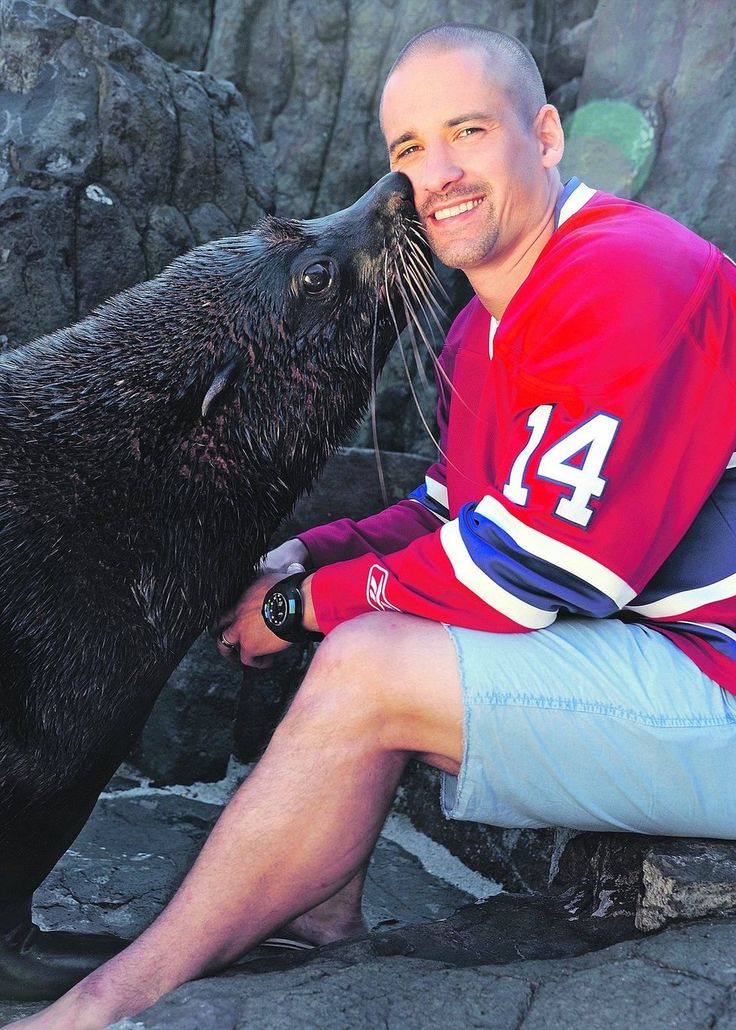 Montreal Canadiens: Tomas Plekanec and a seal at the Prague Zoo Tomas Plekanec  C  b 10/31/ 1982   fr Kladno http://www.eliteprospects.com/player.php?player=8668 2001 Draft R3-71  MTL  Montreal Canadiens  2000/01 WJC U20 Gold 2005/06 WC Silver 2010/11 WC Bronze 2011/12 WC Bronze