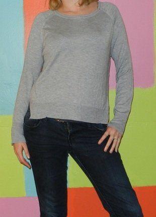 À vendre sur #vintedfrance ! http://www.vinted.fr/mode-femmes/pull-overs/28150772-pull-leger-manche-longue-col-rond-fendu-tl40-42-zara-knit-demi-saison-chicmodecasual