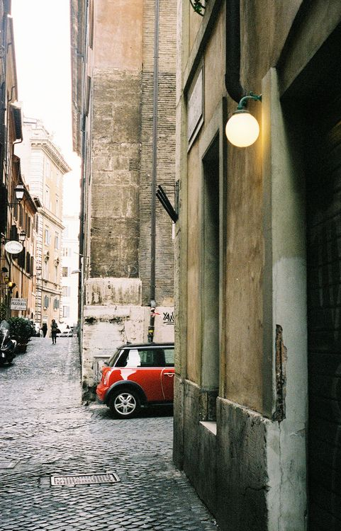 I love Rome... And a mini is one of the best ways to get around in the tiny, narrow streets!