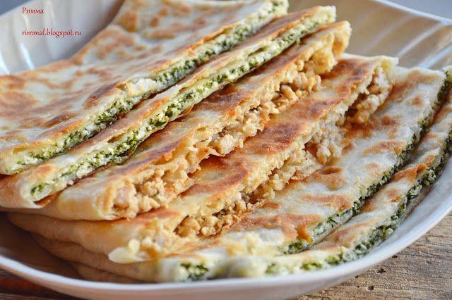 Турецкие лепешки с мясом, сыром и шпинатом