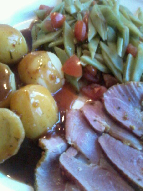 Snijbonen met tomaat beenham honing mosterd en aardappels met jus