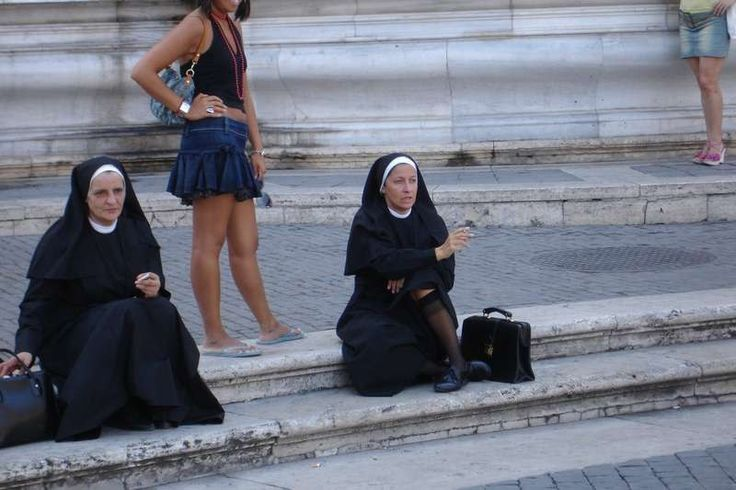 Nine nuns were pregnant after the monastery in Milan, sheltered in the summer of five refugees from North Africa. According to Il Giornale italiano, Abbess admitted that last summer she was unwell mother and eldest sister was forced several times to spend the night outside the walls of the church institutions.