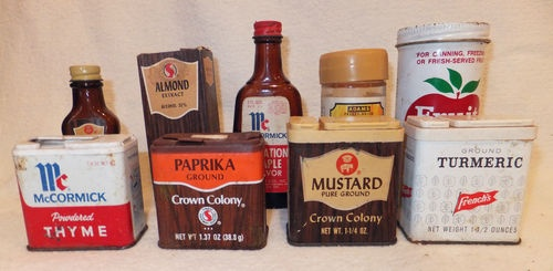 42 best images about vintage spice tins on pinterest for Retro kitchen set of 6 spice tins