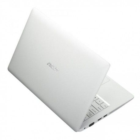"ASUS X200CA-KX184D KX185D KX186D KX187D DOS - WHITE Model:  ASNT0UWH Laptop Asus termurah hanya di Gudang Gadget Murah. Intel Celeron 1007U 1.50 GHz, Intel HD Graphics, 11.6"" resolution up to 1366 x 768, 2GB RAM 1600MHz, 500GB HDD, WiFi, DOS - White Rp3.270.100"