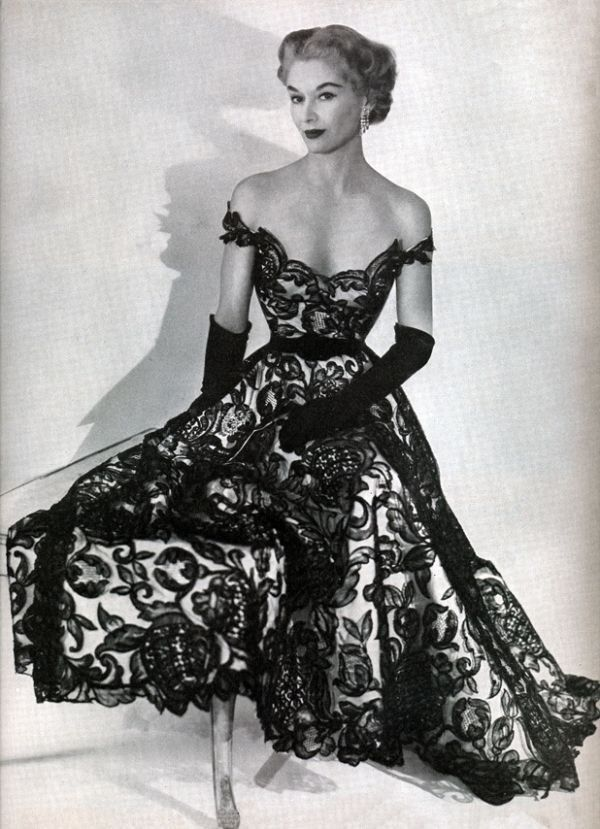 1950s Dior. Love the off-the-shoulders look. Very alluring.