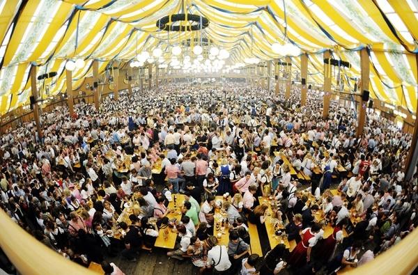 Oktoberfest Munich Germany my-favorite-vacations