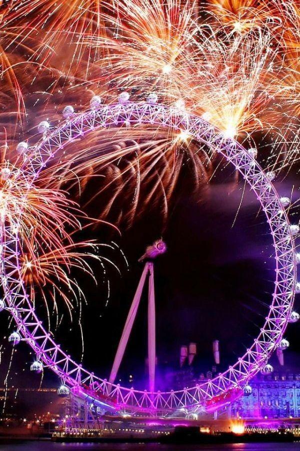 The London Eye New Year S Eve London Fireworks Fireworks Photography New Year London