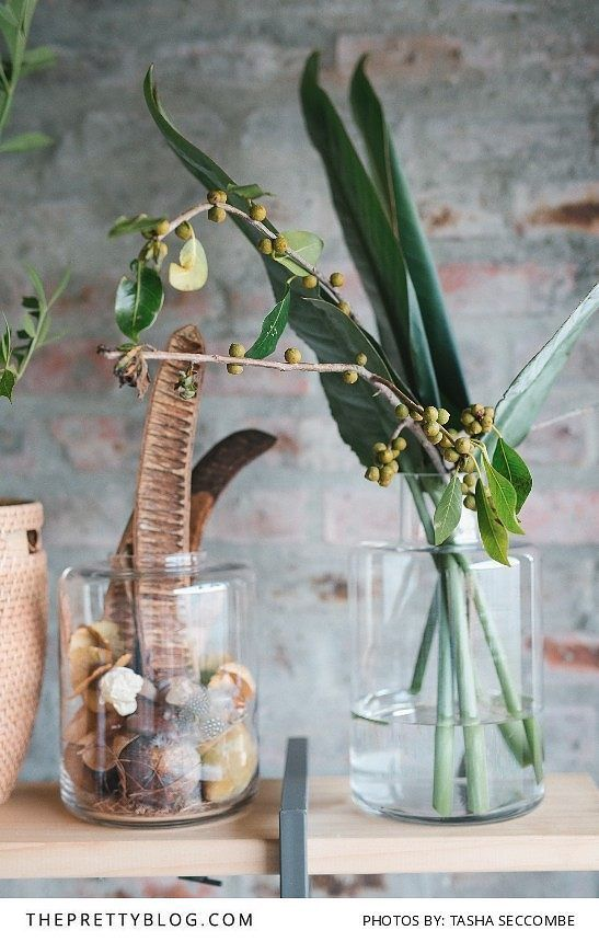 Earthy Wedding Decor | Florals by Ecozest Floral Design | Photograph by Tasha Seccombe |  http://www.theprettyblog.com/wedding/put-down-everything-you-are-doing-enjoy-this-example-of-true-african-elegance/