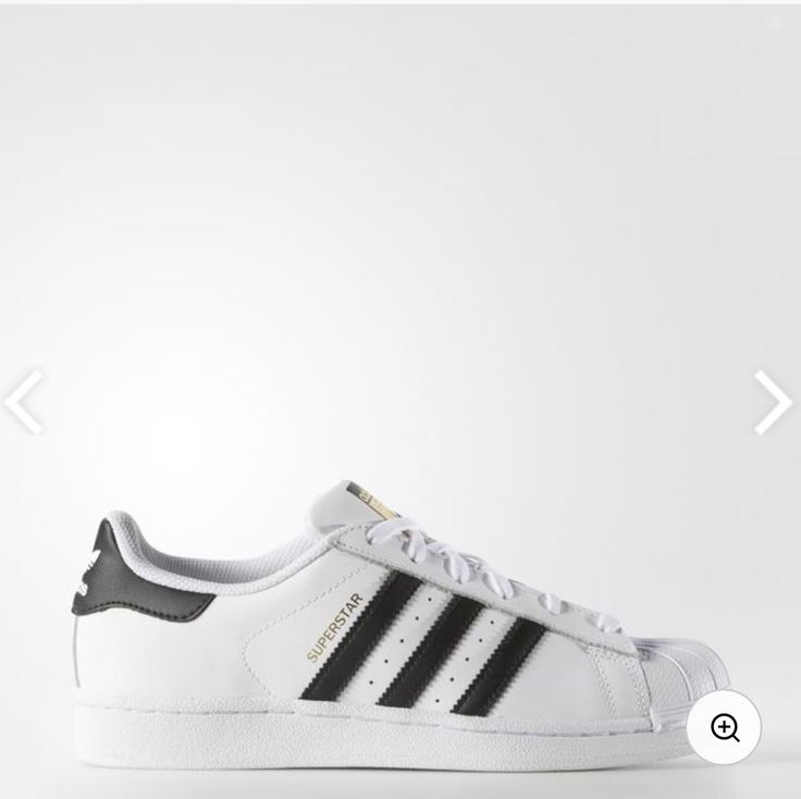 adidas - Superstar Shoes size 6 White shoe with black stripes