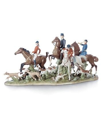 01005362  FOX HUNT   Issue Year: 1986  Retirement Year: 2014  Sculptor: Salvador Furió  Size: 41x84 cm  Base included      Limited Edition 1000 pieces