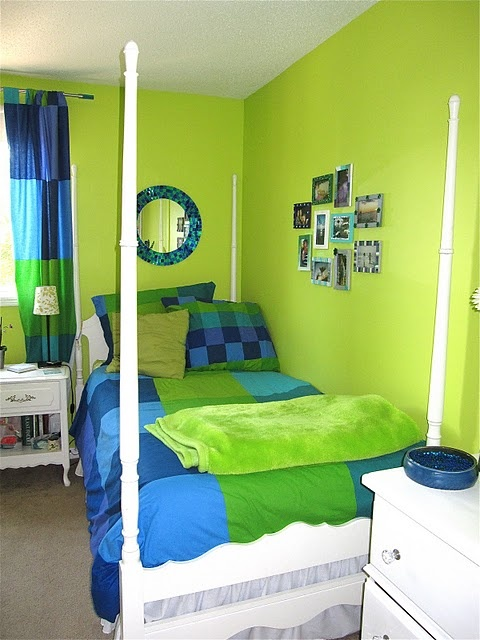 can you say lime green! Old bedroom <3