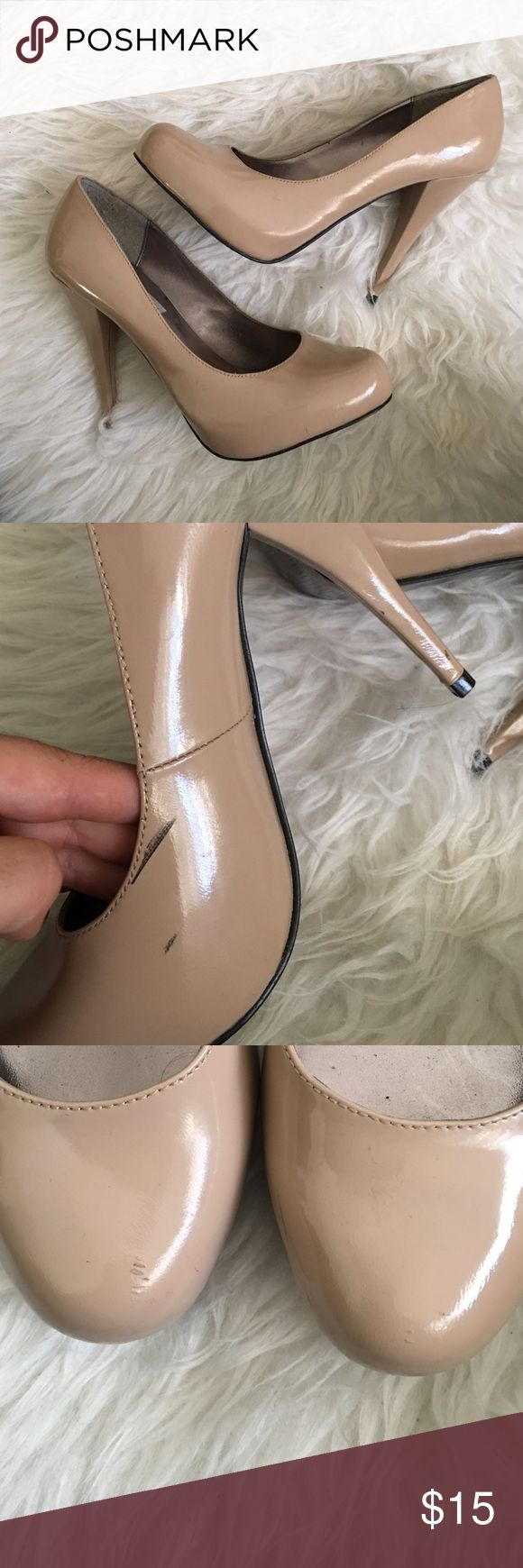 Patent Leather Nude Pumps Worn 2x. Light scuffing. Steve Madden Trinitie pumps Ina nude tan patent leather. Make your legs look super long and are great to wear with a variety of going out dresses and more. Steve Madden Shoes Heels