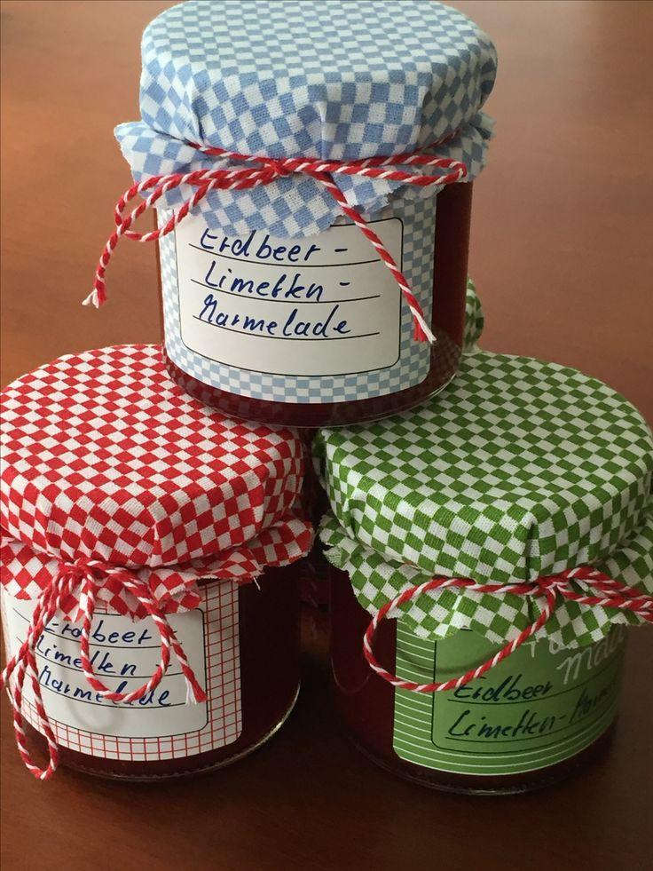 Diese selbstgemachte Marmelade nehme ich gern als Mitbringsel mit. Oder verschenke es als kleines Dankeschön.