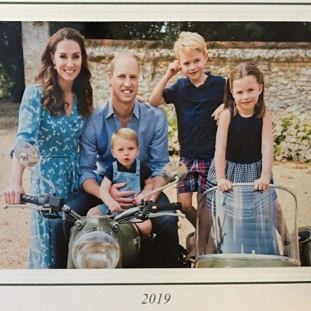"""Duke And Duchess Of Cambridge Christmas 2020 Windsor Royal Family on Instagram: """"Aww🥰The Duke and Duchess of"""