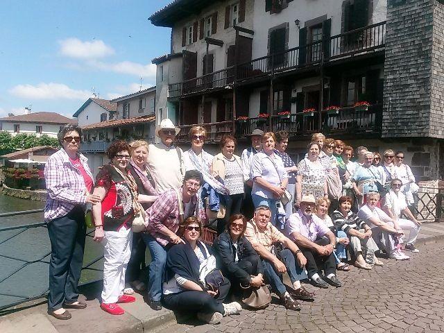 Foto de familia en un día radiante de turismo en San Juan Pie de Puerto