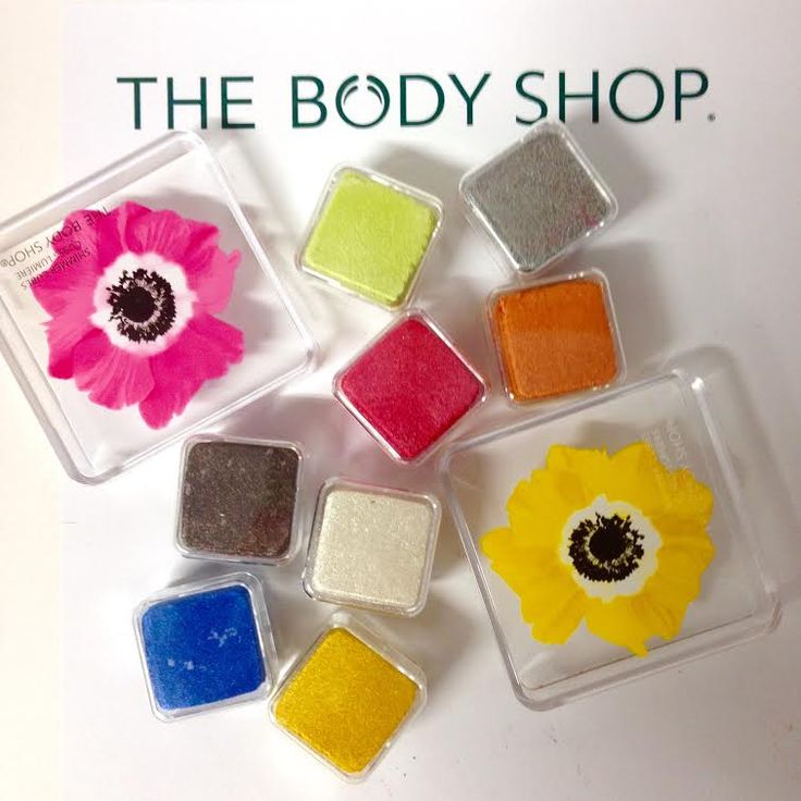 Add a pop of colour to your summer look with these gorgeous Shimmer Cubes. #summer #colour #eyes #shimmer #cubes