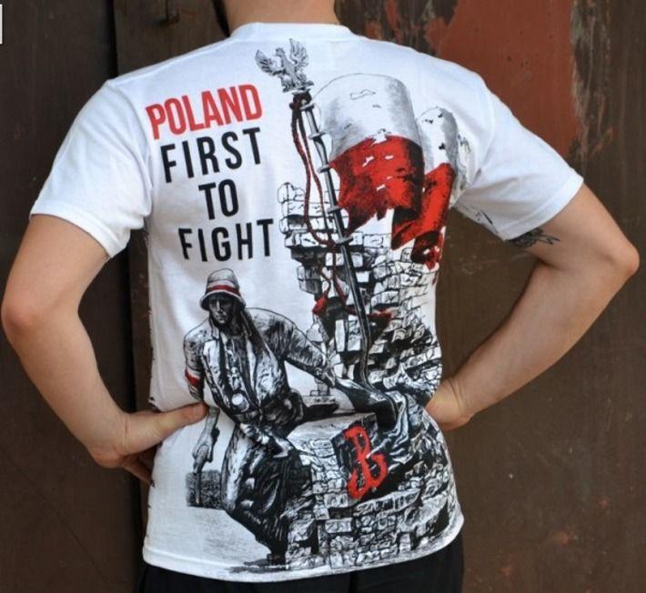 T-shirt patriotyczny 'Poland - First to Fight' HD - tył ---> Streetwear shop: odzież uliczna, kibicowska i patriotyczna / Przepnij Pina!