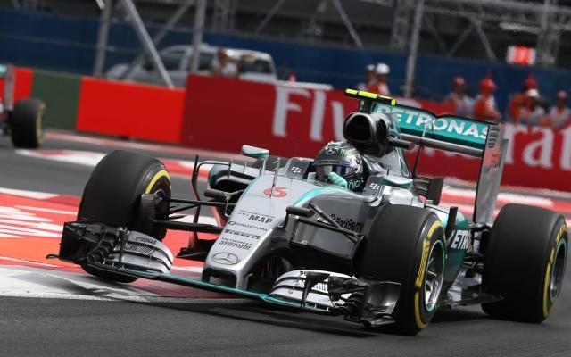 Suivez le GP du Mexique de Formule 1 en direct: Rosberg en quête d'un succès face au champion du monde Lewis Hamilton -                  Nico Rosberg (Mercedes) a signé sa quatrième pole position d'affilée et sera en position idéale dimanche au départ pour remporter le GP du Mexique de Formule 1 face à son coéquipier Lewis Hamilton, déjà assuré d'un troisième titre mondial. Cela suffi
