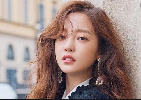 K Pop Star Of Group Kara Goo Hara Was Found Dead In Her Room Redeemarena Com Trending Blogs And Updates In The World Goo Hara K Pop Star Pop Star