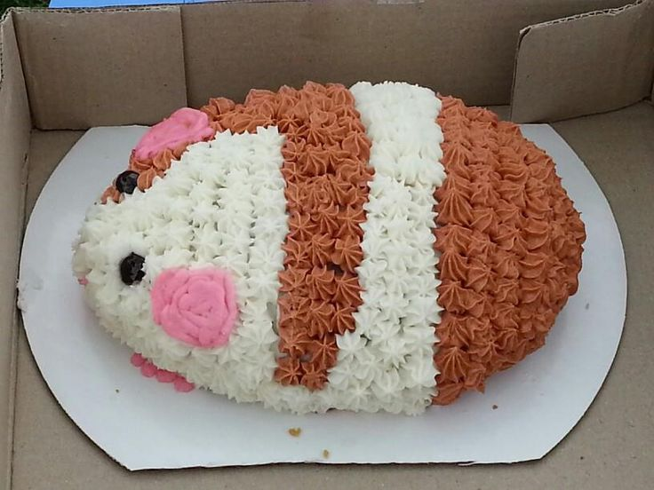 Love the frosting on this, almost too cute to eat!