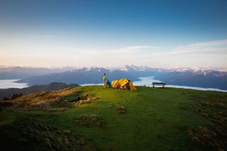 Legal am Berg zelten ist im Alpenraum gar nicht so leicht: An diesen 9 Orten in Österreich, Deutschland und Südtirol darfst du garantiert…