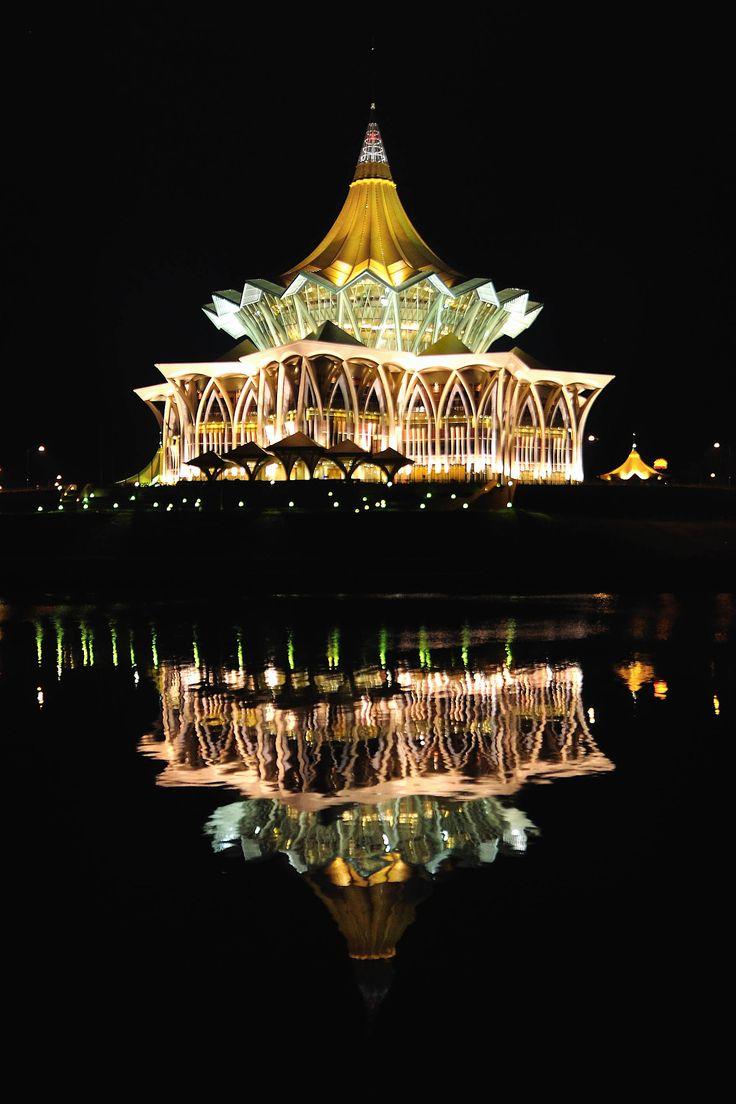 Pin By Masz Husaini On Malaysia Sarawak Amazing Buildings Travel Spot