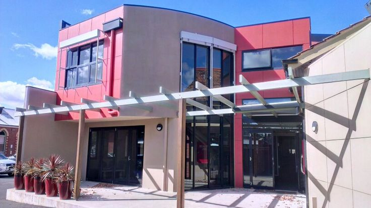 April 19: this is the back of the Bendigo Catholic Education Office, where I'm doing a Catholic teaching module. I've already featured the front of this building in the project, but it is a beautiful building, and the weather and lighting conditions were lovely for this photo.