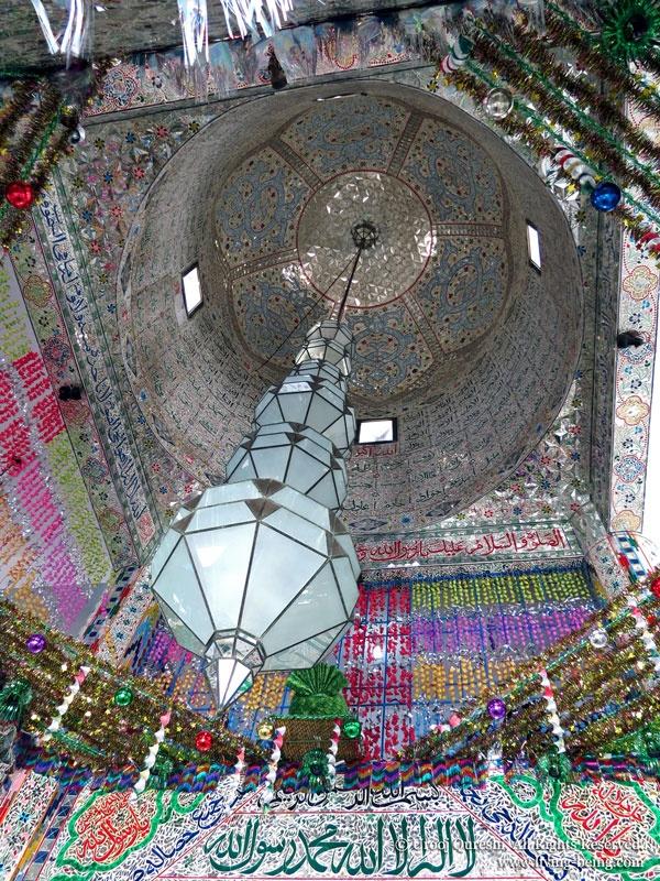 Beautiful mirrored ceiling of the tomb of Saint Shah Ghazi Maudi – Manora Island, Pakistan
