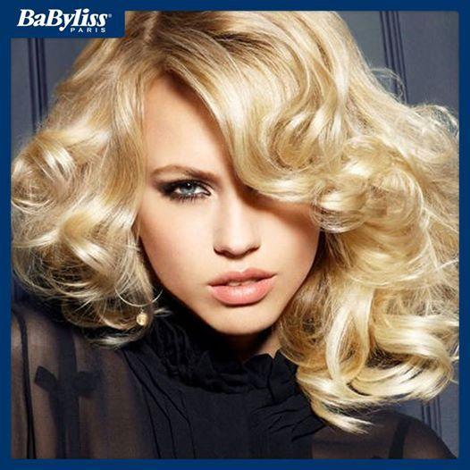 #HairTips Curare i capelli ricci non è così difficile come sembra. Ecco le tre regole d'oro: -Pettinali da bagnati con pettine a denti larghi -Ammorbidiscili con olio di semi di lino -Non dimenticare mai balsamo o maschera nutriente  #curly #curlyhair #capelliricci #blonde #girl #tips #consigli #bellezza #beauty #benessere #babyliss