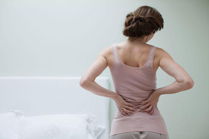 Sencillo, práctico y gratis. Así es el nuevo método para aliviar los dolores de espalda que propone Andrew Weil, director de Medicina Integral de la Universidad de Arizona y galeno popular en Estad…