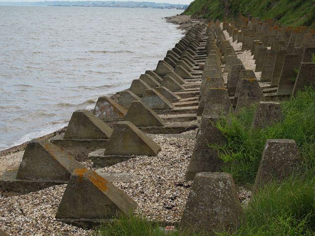 Dragon 39 s teeth ww2 coastal defence ww2 fortifications for Coastal burglar alarm