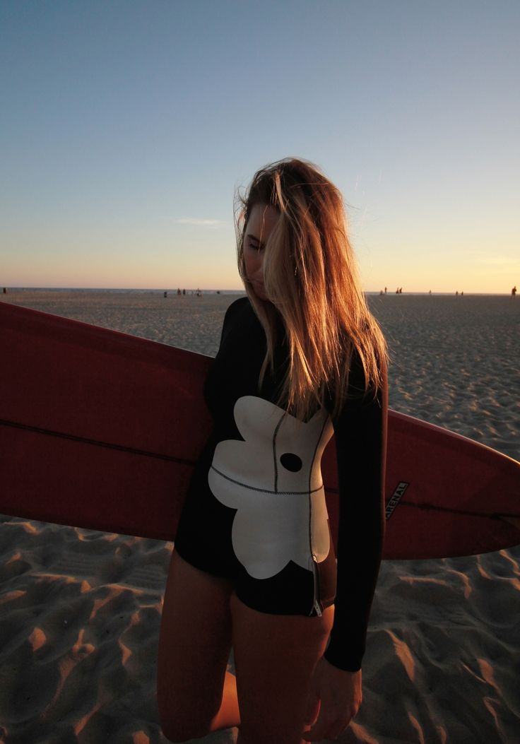 Bree Warren at Venice beach  http://www.breewarren.com/home-1/2016/1/23/getting-down-in-venice