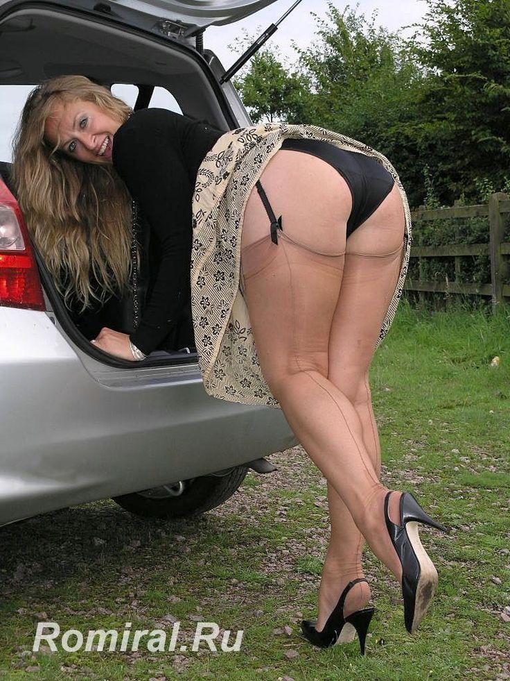 Mature ass in car