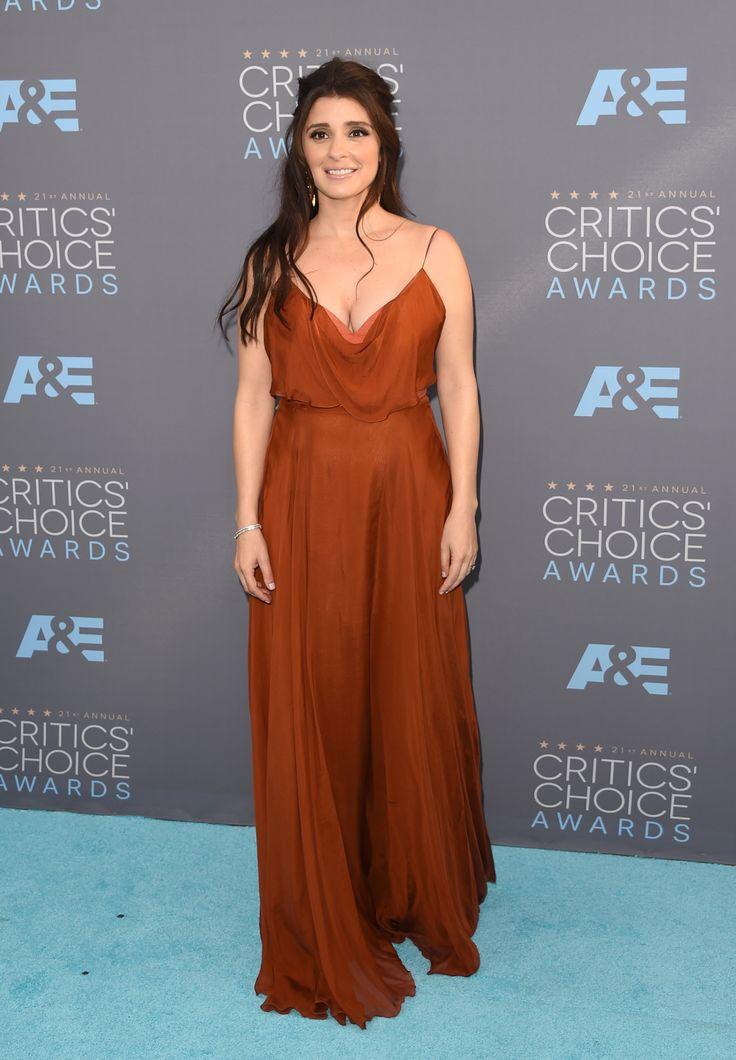 Shiri Appleby in Leanne Marshall at 2016 Critics' Choice Awards