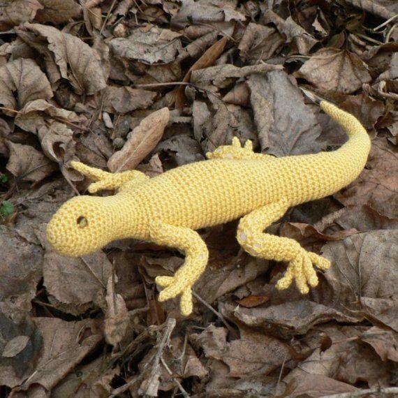 T Rex Amigurumi Pattern Free : Gold Lizard - Crochet Pattern no. 03. USD3.50, via Etsy ...