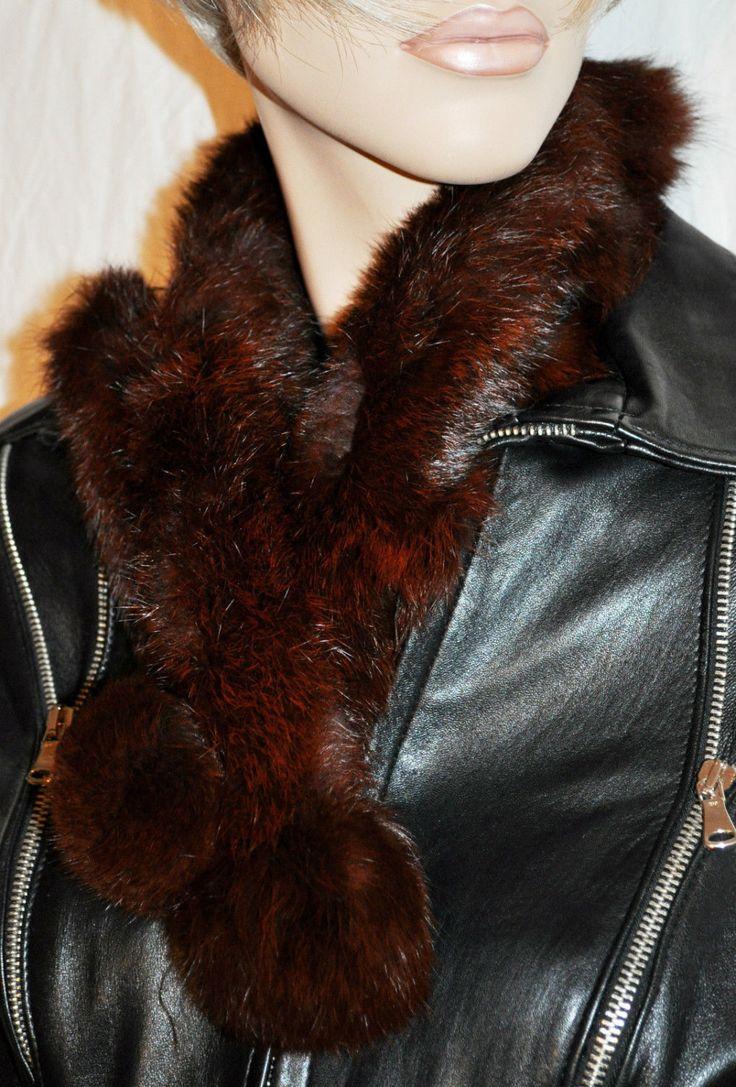 Extra Soft Woman Neck-Warmer Red Bordeaux Fur with Eyelet Sciarpa Scaldacollo Donna Pelliccia Rosso Bordeaux Asole Regola Ampiezza 79 cm di BeHappieWorld su Etsy