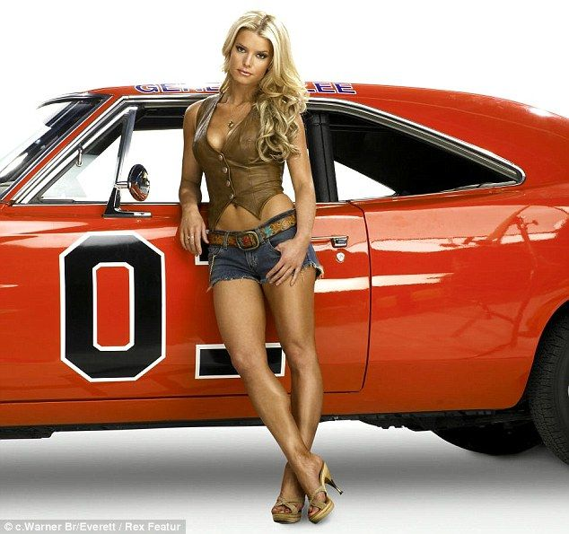 Jessica Simpson in 2005 as Daisy Duke. Hopefully one day she'll be as healthy as she was then.  #Jessica_Simpson #legs #daisy_dukes