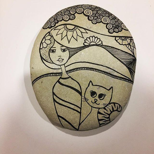 #taşboyama #tasarim #stones #sipariş #design #dekorasyon #decoration #unique #handmade #istanbul #instadesign #instadecor #instastyle #instastoners #instafollow #takip #turkinstagram #koalaartbydamla #contact #instadaily #instaphoto #photo #photooftheday #picoftheday #vscocam #tasarimci #cat #catsofinstagram #girl