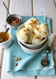 Παγωτό γιαούρτι µε µέλι και καρύδια
