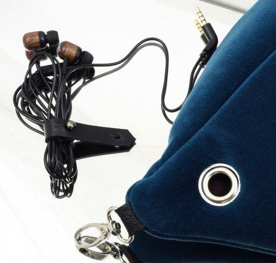 Zestaw: wyjście i zapinka do słuchawek - ANACOMITO? Freedom-giving bags -