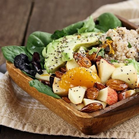 Salade détox quinoa, avocat et pomme