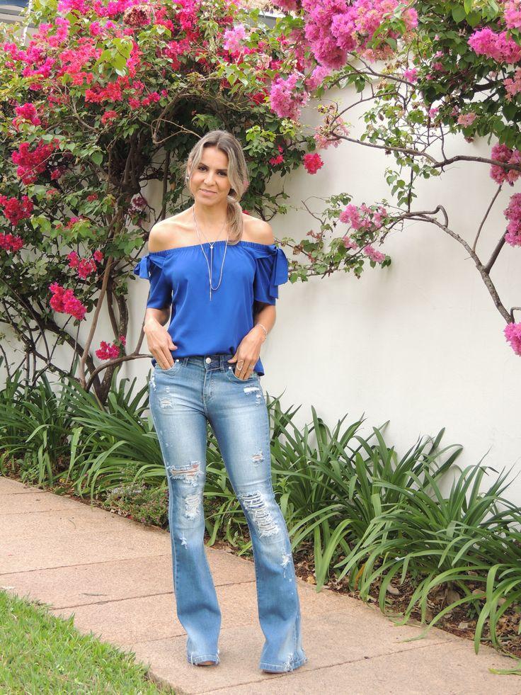 jeans-flare-blusa-ombro-a-ombro-azul-royal-5