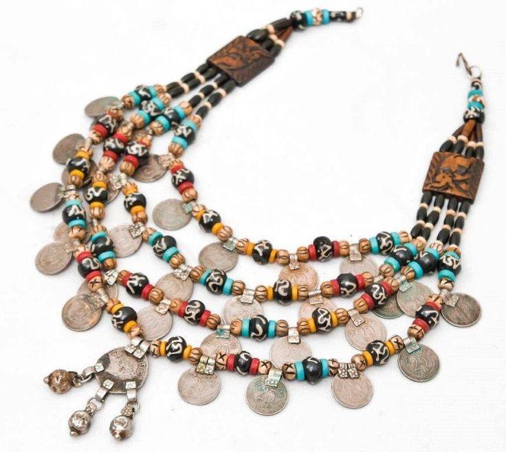 Super gave Vintage Banjara Oude Hand gemaakte Ketting uit India. Vintage Handwerk,India.Banjara, de Zigeuners van India. Tibetaanse sieraden op facebook.
