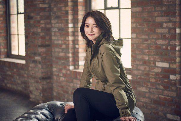 Hello Venus Member Nara Gets Warm with 'Eider' Clothing | Koogle TV