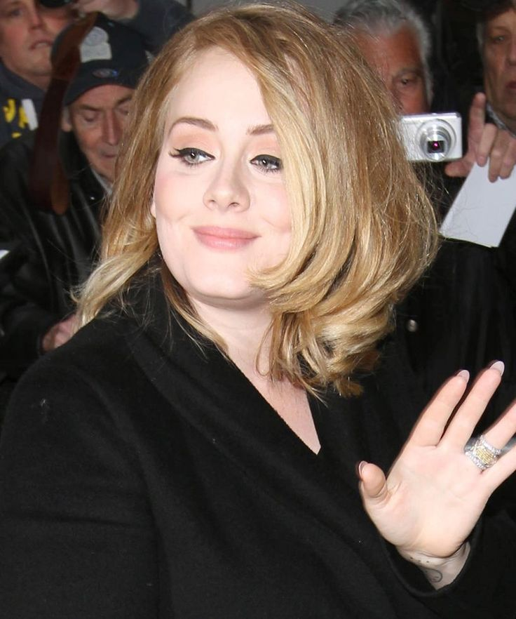 Adele Beats Taylor Swift Streaming Record | Adele's new album already has already beaten a track from Taylor Swift's 1989. #refinery29 http://www.refinery29.com/2015/10/96438/adele-single-day-streaming-record