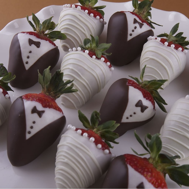 Gourmet Wedding Chocolate Dipped Strawberries from BobaluBerries.com
