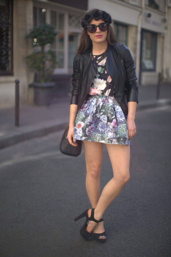 .Floral Skirts, Woman Fashion, Floral Prints, My Style Pinboard, Awesome Style, Awesome Pin, Leather Jackets, Random Pin, Mixed Pattern