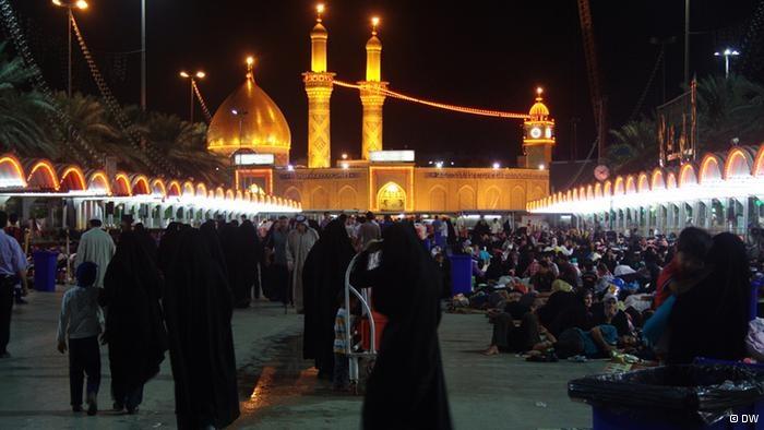 A guerra civil na Síria é marcada cada vez mais pela oposição entre sunitas e xiitas, simbolizados na Arábia Saudita e no Irã. A disputa entre as duas correntes muçulmanas remonta aos primórdios do Islã.