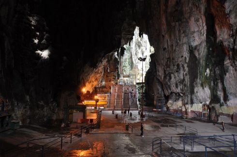 Teroka gua ibadat di Batu Caves